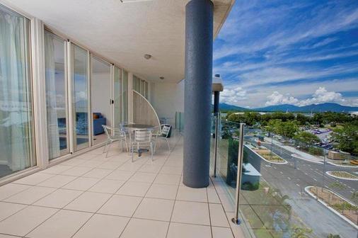 凯恩斯城市码头雷吉斯公园酒店 - 凯恩斯 - 阳台