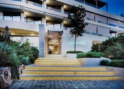 沃里亚戈米尼酒店 - 武利亚格迈尼 - 建筑