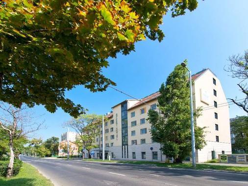 布达佩斯阿莎特高级酒店 - 布达佩斯 - 建筑
