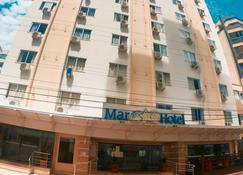 马尔酒店 - 巴拉奈里奥-坎布里乌 - 建筑