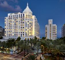 洛伊斯迈阿密海滩酒店