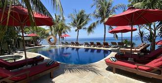 艾湄湾布里威拉塔潜水Spa度假酒店 - 艾湄湾 - 游泳池