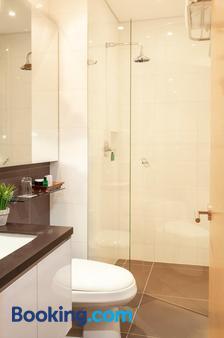 93区豪华套房酒店 - 波哥大 - 浴室