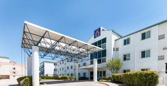 达拉斯6号汽车旅馆 - 沃斯堡机场北部 - 欧文 - 建筑
