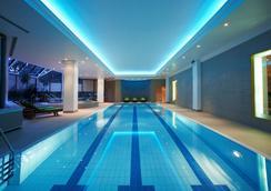 贝尔格莱德凯悦酒店 - 贝尔格莱德 - 游泳池