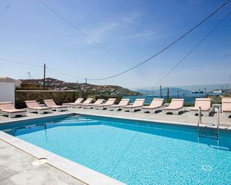 阿尼西一室公寓酒店 - 奥诺斯 - 游泳池
