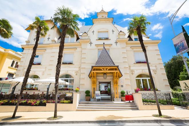 阿马德里雅公园阿贾瓦酒店 - 奥帕提亚 - 建筑