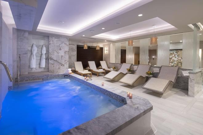 休斯顿上城区波斯特橡树旅馆 - 休斯顿 - 游泳池