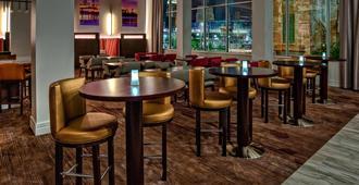 堪萨斯城市中心/会议中心万怡酒店 - 堪萨斯城 - 餐馆
