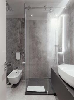 迪卡梅隆豪华设计酒店 - 敖德萨 - 浴室