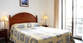 巨人酒店 - 赫雷斯-德拉弗龙特拉 - 睡房