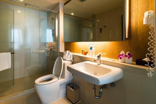 素坤逸昂八酒店 - 曼谷 - 浴室
