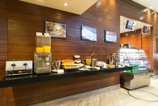 素坤逸昂八酒店 - 曼谷 - 自助餐