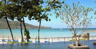 普吉岛卡马拉海滩诺富特酒店 - 卡玛拉 - 游泳池