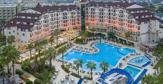 贝拉度假酒店及Spa - 锡德 - 游泳池