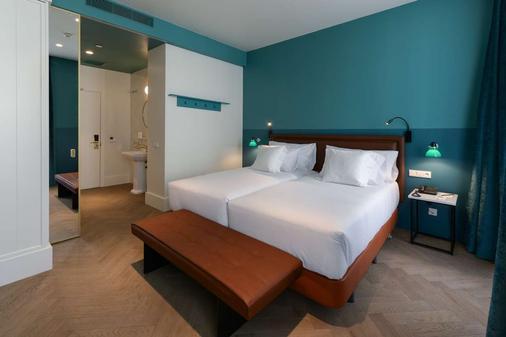 敏特文奇酒店 - 马德里 - 睡房
