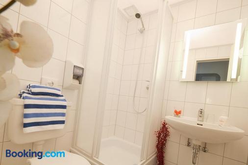 库克皮特酒店 - 汉堡 - 浴室