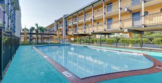 加尔维斯顿苏格兰酒店 - 加尔维斯敦 - 游泳池