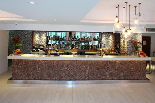 乔木城市酒店 - 伦敦 - 酒吧