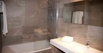 吉尔米瑞兹酒店 - 圣地亚哥-德孔波斯特拉 - 浴室
