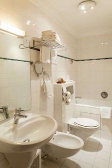 巴黎布尔蓬宫殿酒店 - 巴黎 - 浴室
