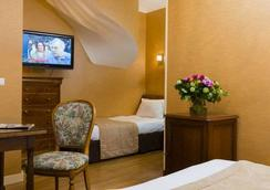 布尔蓬宫殿酒店 - 巴黎 - 睡房