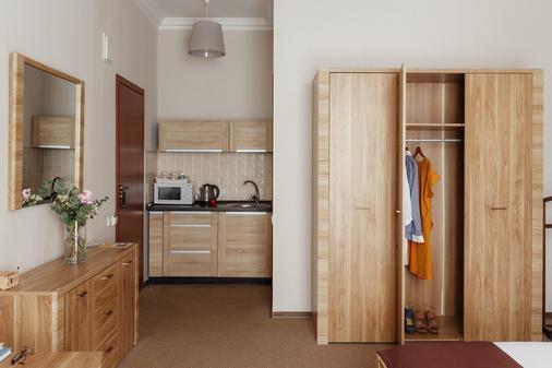 里瓦斯公寓酒店 - 敖德萨 - 厨房