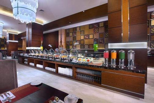 梭罗阿拉那会议中心酒店 - 梭罗/苏腊卡尔塔 - 自助餐