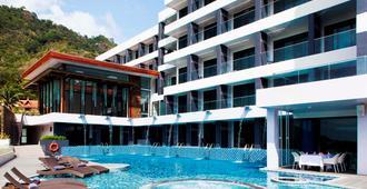 普吉易思因雅玛酒店 - 卡伦海滩