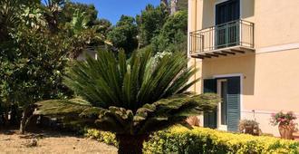 安蒂科柠檬多孔卡多罗酒店 - 蒙雷亚莱 - 户外景观