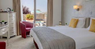 蒙特雷酒店-贝斯特韦斯特定留系列酒店 - 圣赫利尔 - 睡房