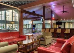 申里夫波特機場華美達飯店 - 什里夫波特 - 酒吧