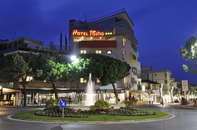 帕夏酒店 - 利尼亚诺萨比亚多罗 - 建筑