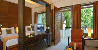 格孔達Spa度假村飯店 - 海得拉巴 - 客厅