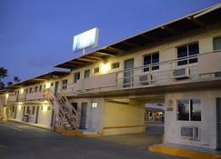 墨西卡利阿兹台克奥罗酒店 - 墨西卡利 - 建筑