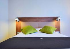 康铂酒店-波尔多西梅里尼亚克机场 - 梅里尼亚克 - 睡房