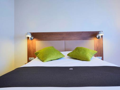 波尔多西部 - 梅里尼亚克机场钟楼酒店 - 梅里尼亚克 - 睡房