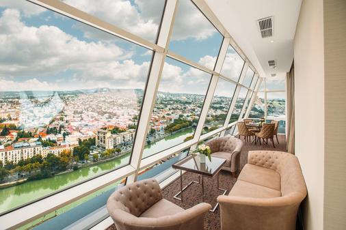 第比利斯比尔特莫尔酒店 - 第比利斯 - 阳台