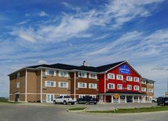 布兰登 - 湖景套房酒店 - 布兰登 - 建筑