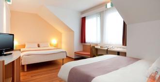 雷根斯堡市宜必思酒店 - 雷根斯堡 - 睡房