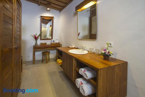 佩尔缇威比什马酒店2 - 乌布 - 浴室