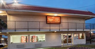 凤凰城红屋顶酒店 - 中城 - 凤凰城 - 建筑