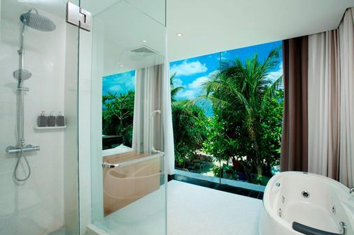 芭东拉弗洛拉度假酒店 - 芭东 - 浴室