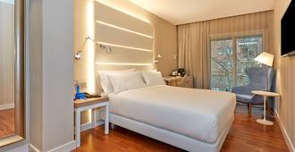 巴塞罗那勒哥尔特nh酒店 - 巴塞罗那 - 睡房