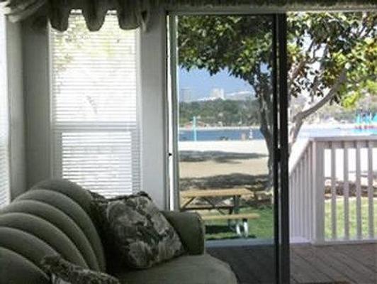 Newport Dunes Waterfront Resort - 纽波特海滩 - 客厅