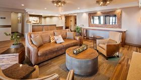 木棉树贝斯特韦斯特酒店 - 爱达荷福尔斯 - 客厅