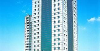 广州明珠大酒店(原广东新港明珠大酒店) - 广州 - 建筑