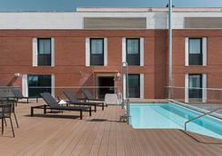 恩尔茨马拉加酒店 - 马拉加 - 游泳池