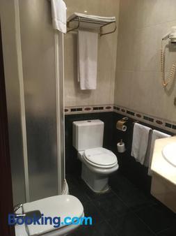 埃尔瑟斯尼酒店 - 萨拉戈萨 - 浴室