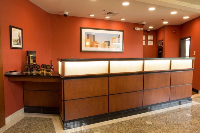 夏洛特大学德鲁里套房酒店 - 夏洛特 - 柜台